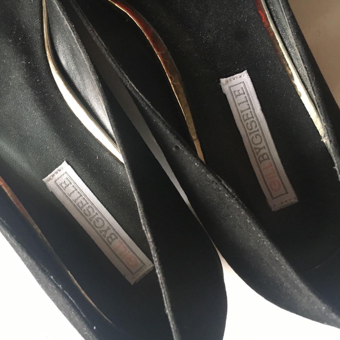 Heels Wanita (Sepatu Hitam)