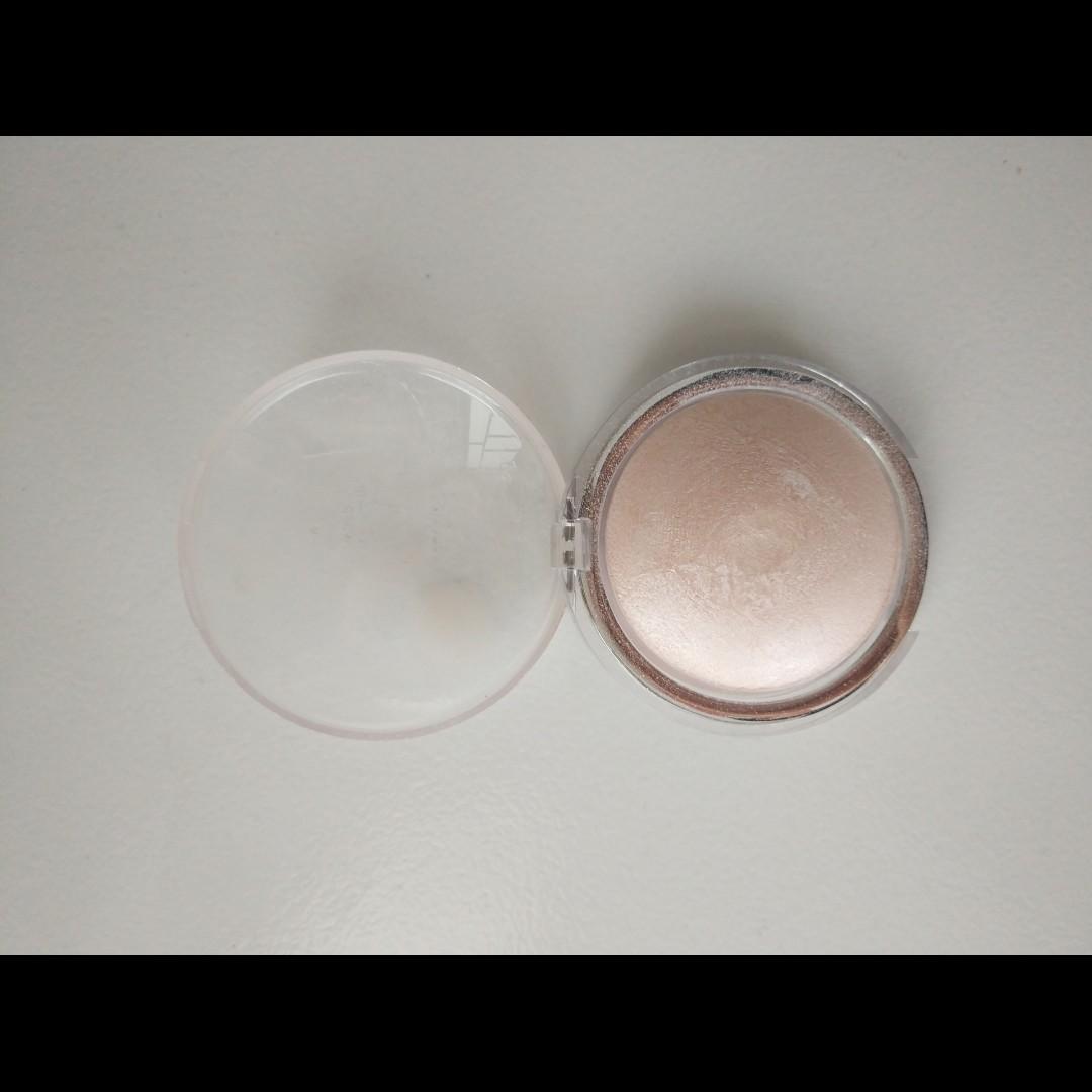 (HARGA PAS) Highlighter Powder Catrice 010