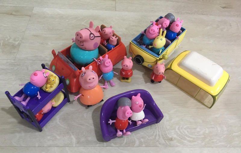 Peppa pig yellow camper car & little red car