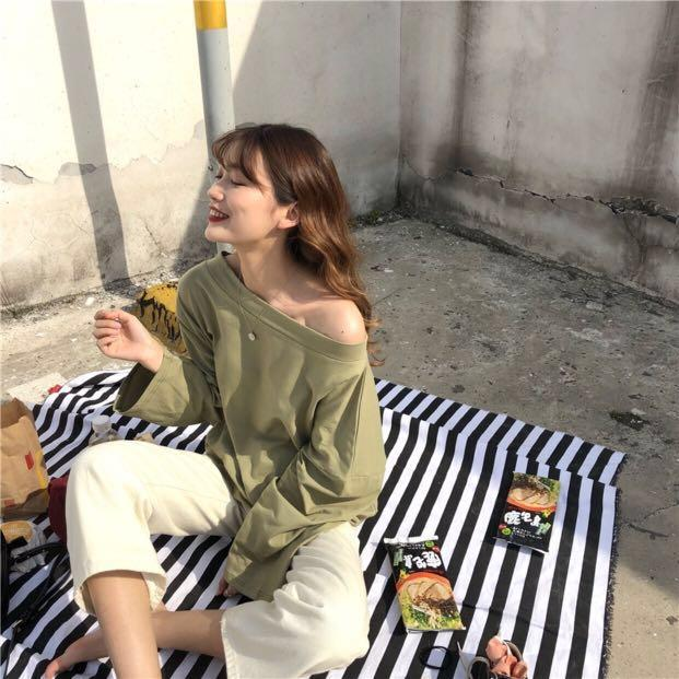 [po] ulzzang off shoulder top
