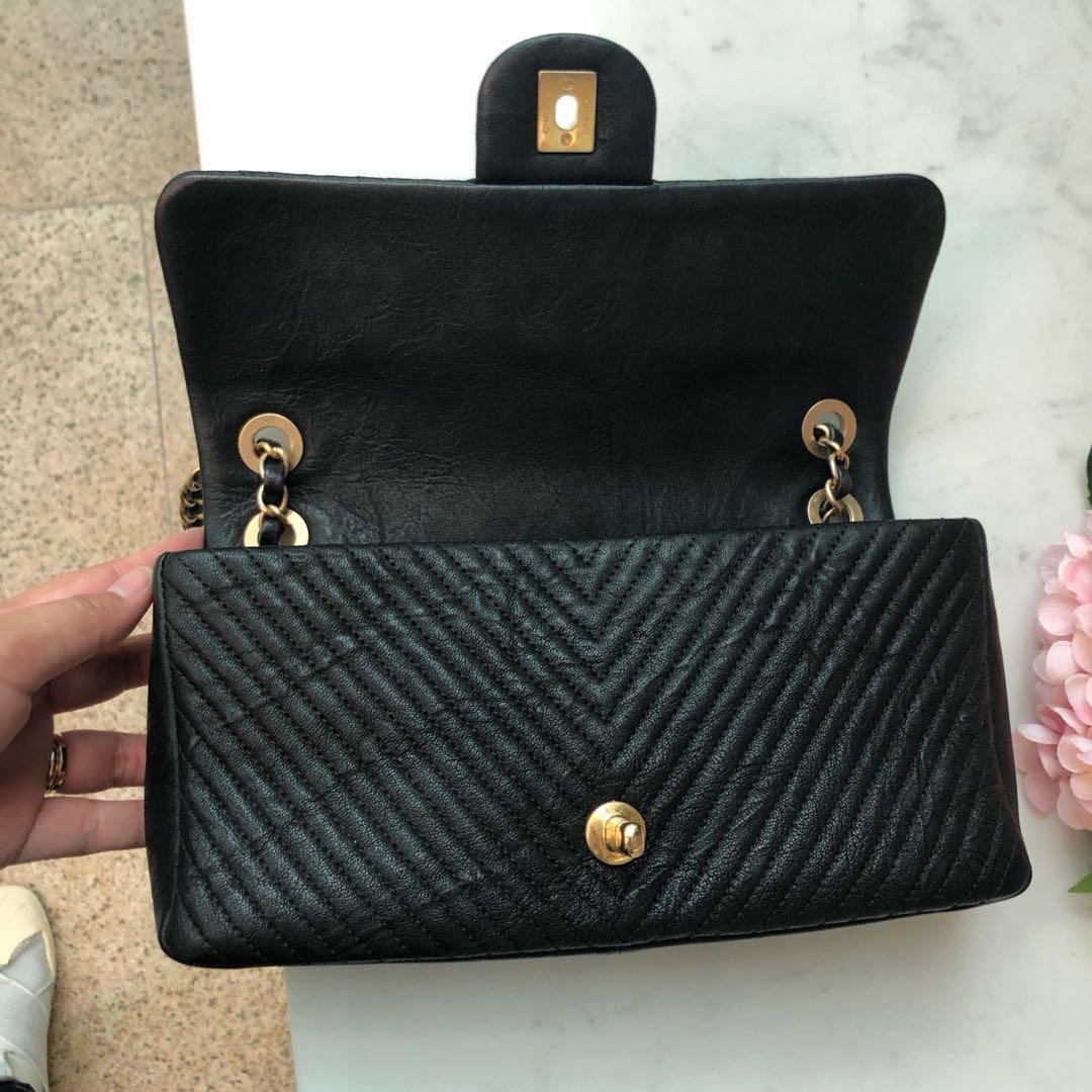 ✖️SOLD!✖️ Superb Deal! Chanel Seasonal Herringbone Flap in Black Distressed Lambskin Aged GHW