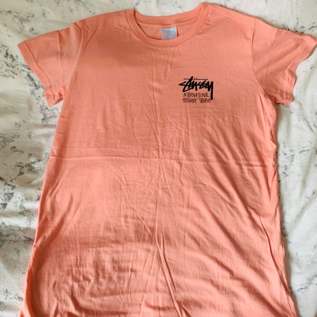 蜜桃🍑粉💓💓💓stussy tshirt 😍😍😍