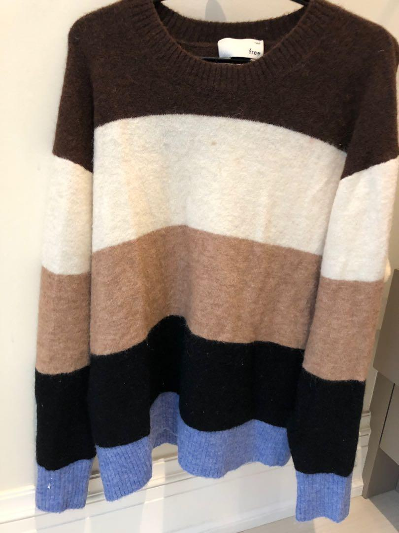 Wilfred Aritzia colour palette knit sweater size M