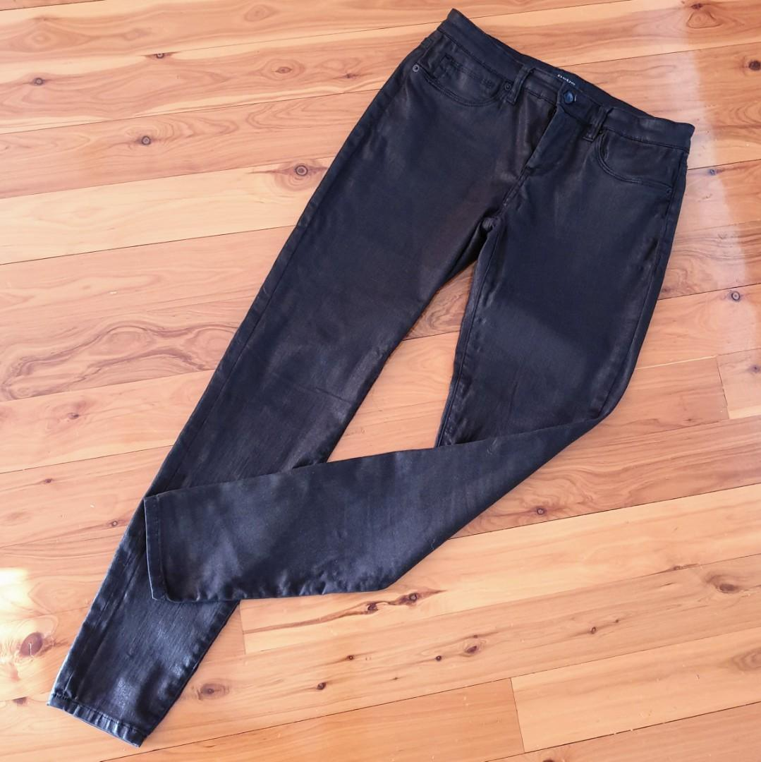 Women's size 29 'BEBE' Stunning black stretchy skinny jeans - AS NEW