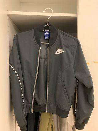 🚚 Nike短板風衣外套
