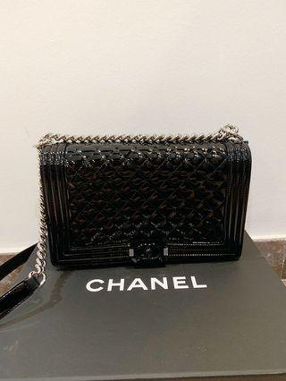 Medium Chanel Boy Patent in Black