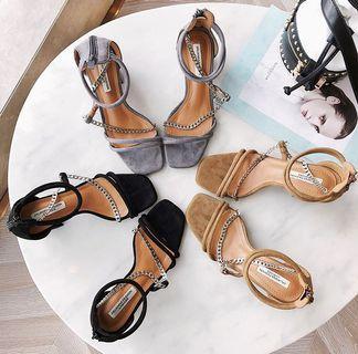 Candy w❤️實拍❤️ 時尚一字扣造型鍊條粗跟涼鞋3色