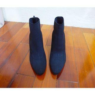 🚚 Kedi 小舖 Zara 黑色 金屬高跟 織布裸靴