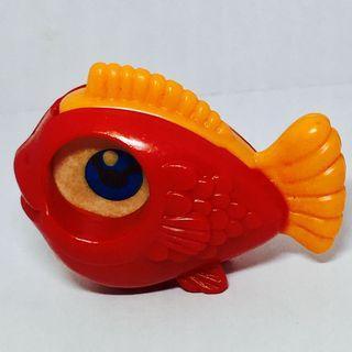出奇蛋絕版玩具:金魚放大鏡