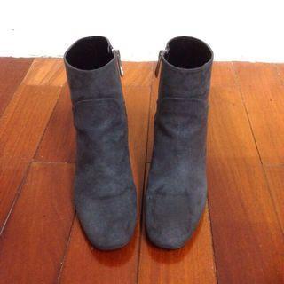 Kedi 小舖  Zara 深灰色系 高跟短靴