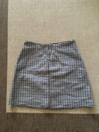 Aritzia ensonne skirt size 2