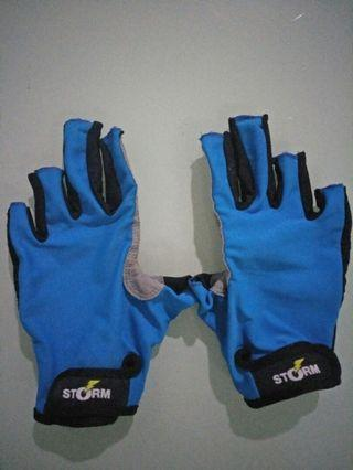 Storm fishing gloves