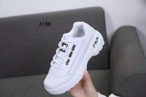 Sepatu fila(Jual Rugi)