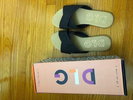 BNWT Black sandals