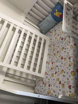 White Ikea crib/ toddler bed