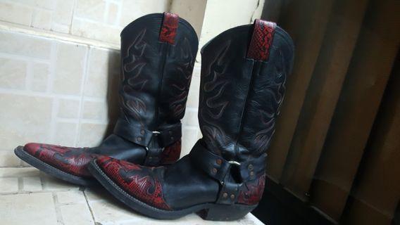 Leather Boots merah api