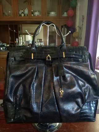 9a958d87f6dbd3 leather bags used | Luxury | Carousell Philippines