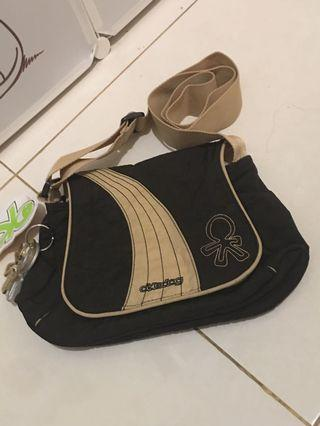 NEW! Okiedog sling bag