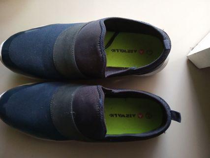Sepatu merk Airwalk