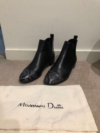 Black Boots size 36 Massimo Dutti