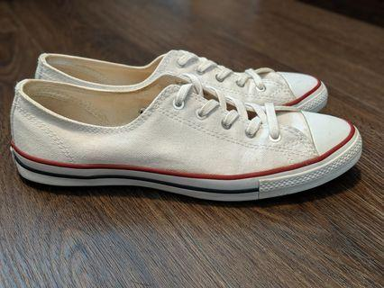 White Converse - Size 6
