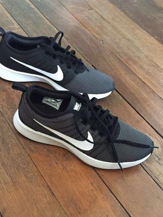 Nike (dualtone racer) mens shoes
