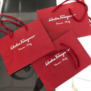 🚚 Ferragamo Paper Bag Small