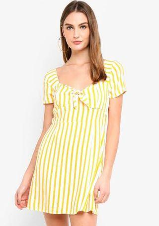 Factorie tie front short sleeves dress in yellow stripes
