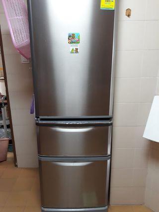 🚚 Refrigerator / Fridge