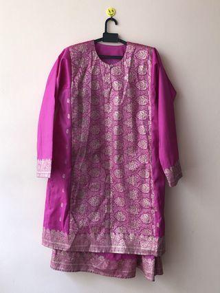 🚚 Baju  Kurung Songket in Fuschia