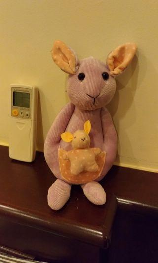 🚚 Kangaroo soft toy