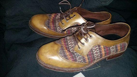 One street formal shoes