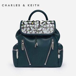 SAG4350 Green Charles & Keith Campus Zipper Backpack