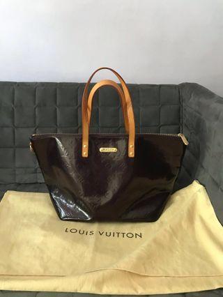 🚚 Authentic Louis Vuitton Bellevue Vernis