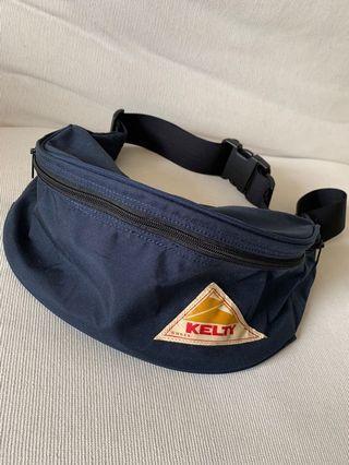 KELTY COROURA 胸口包側背包