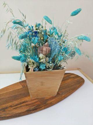 🚚 Hari Raya Promo! Ocean themed dried flowers table centrepiece