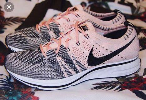 🚚 Authentic Nike Flyknit Trainer Sunset Tint