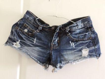 🚚 纖細女孩必備👱🏻♀️牛仔短褲