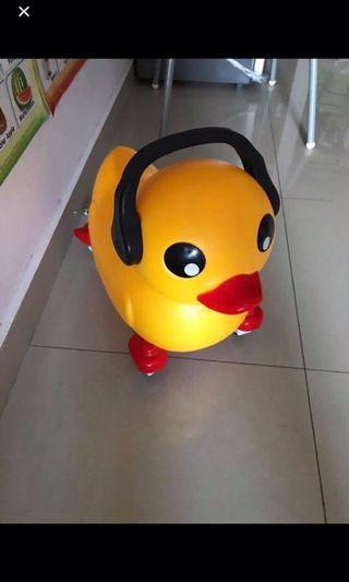 Duck riding car