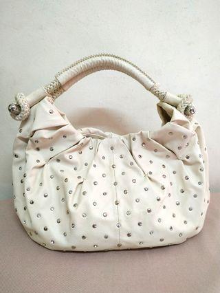 Beige Samantha Thavasa Shoulder Bag