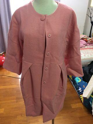 🚚 粉紅大衣
