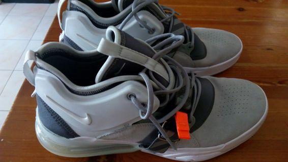 Nike Air Force 270