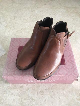PL UK6 Aetrex Amy Brown Leather Ankle Boots
