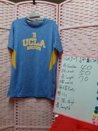 champion 短袖T恤  美國運動品牌  尺碼size M 可参考在白板