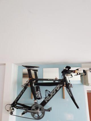 TT bike KUOTA KALIBUR full CARBON