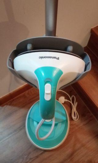 Good as new Panasonic 2-in-1 steam iron clothes steamer