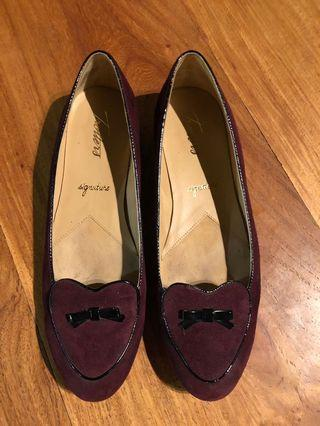 Trotters  Burgundy Women's Loafers