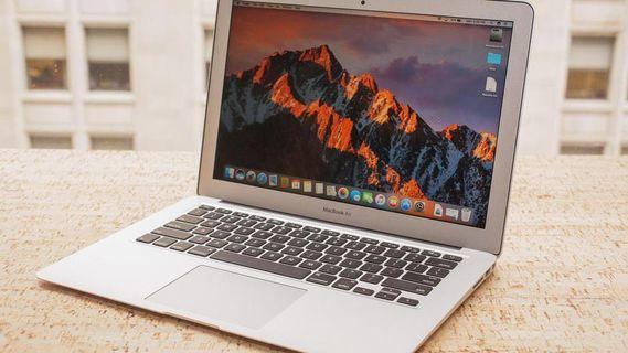 MacBook Air Mid 2017 Model