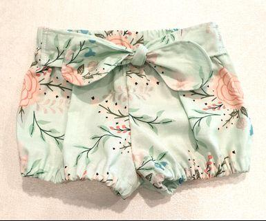 *3-6 M* bloomer shorts/ nappie cover