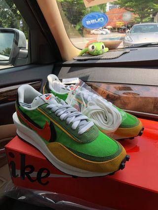 🚚 Nike SACAI Waffle Green Gusto